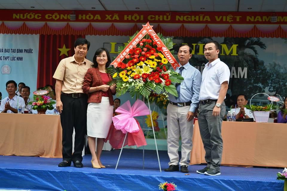 Trường THPT Lộc Ninh tổ chức lễ kỷ niệm ngày nhà giáo Việt Nam